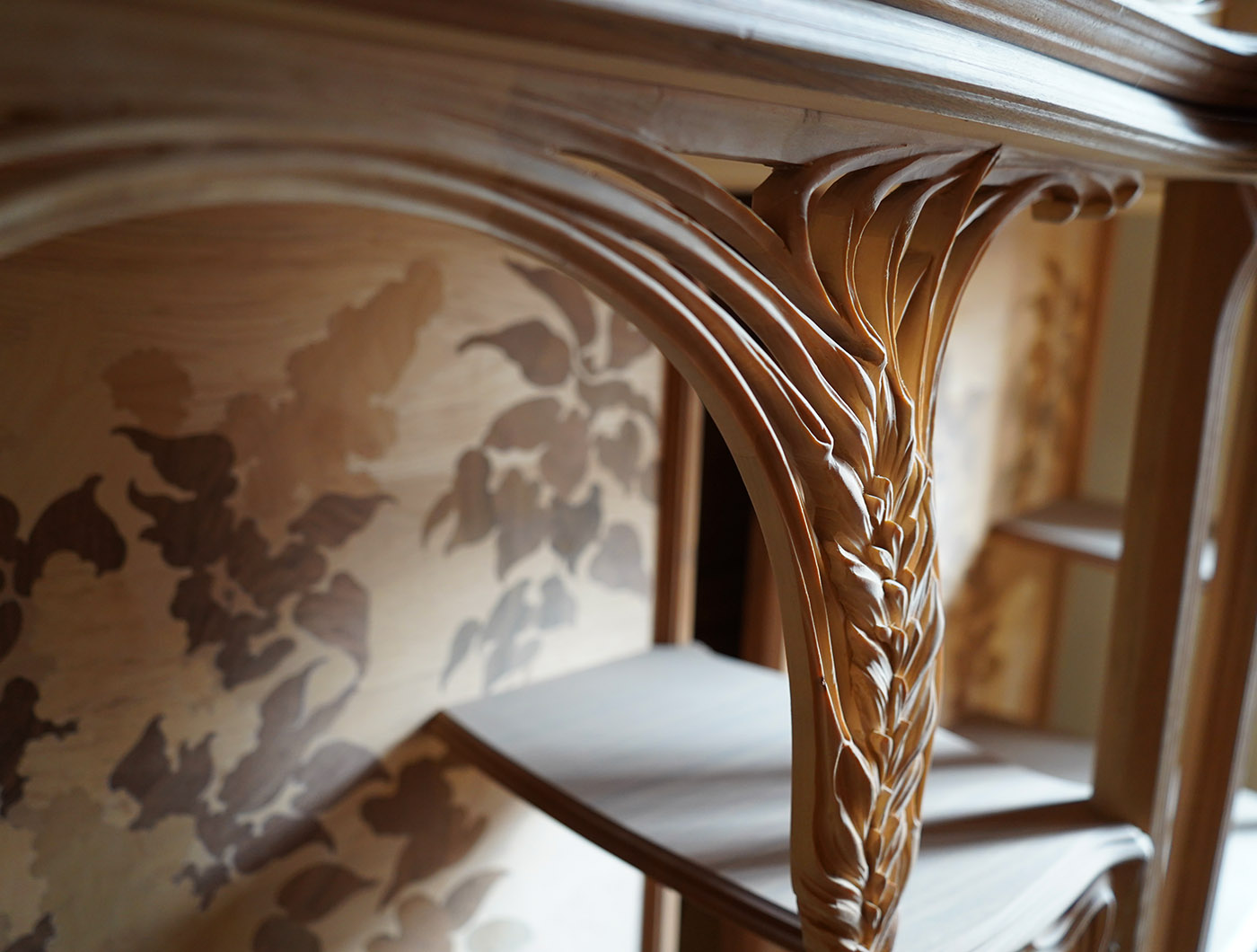 hand carved french Liberty etagere, marquetry | P.& G. Cugini Lanzani