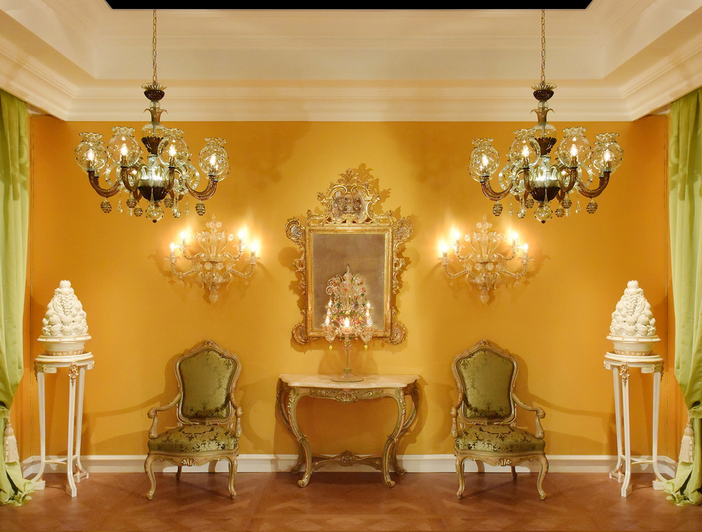 Venetian baroque throne, Venetian gilt ancient mirror, Murano applique, Murano chandeliere, Murano flambeau | P.& G. Cugini Lanzani