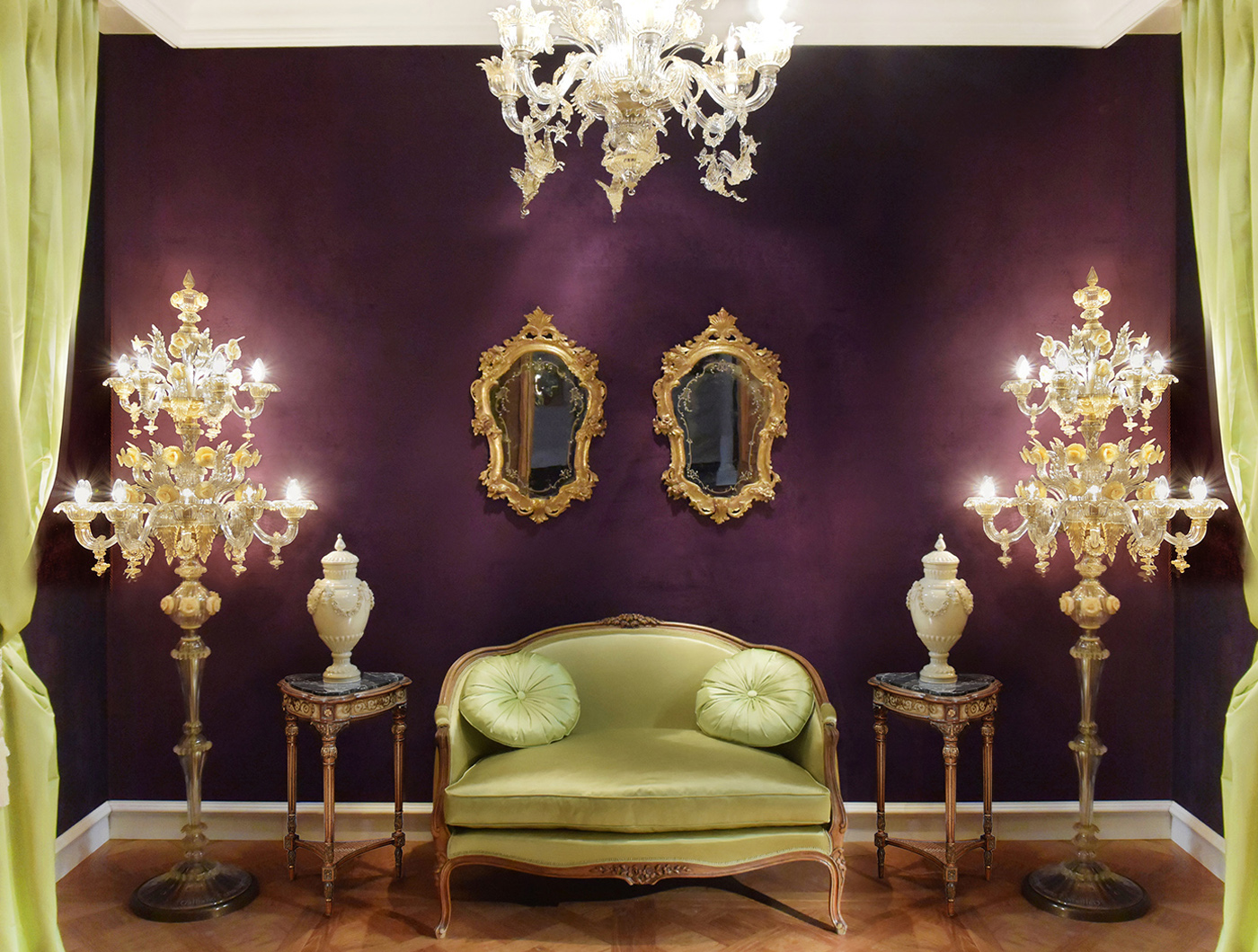Louis XV sofa, Louis XVI table, venetian gilt mirror, Murano floor lamp, Murano chandeliere | P.& G. Cugini Lanzani